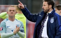 """Mất """"chiếc phao"""" cuối cùng, Rooney bơ vơ đến tội nghiệp"""