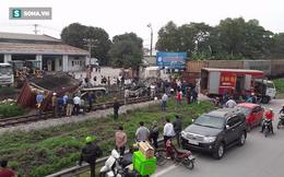 Đoàn tàu phải tách đôi để giải cứu container ở Nghệ An