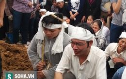 Đám tang đẫm nước mắt của người gây ra vụ nổ ở Hà Đông