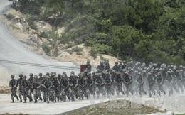 Quân đội Trung Quốc tập trận liên chiến khu