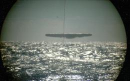 """Tiết lộ bộ ảnh hiếm về UFO do tàu ngầm Mỹ """"săn"""" được cách đây 45 năm"""