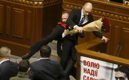 Ukraine: Yatsenuk không bị phế truất nhờ 1 triệu USD/ phiếu phủ quyết?