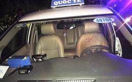 Ba đối tượng táo tợn khống chế cướp tài xế taxi