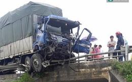Xe tải đấu đầu kinh hoàng, 3 người thương vong, 2 xe bẹp dúm