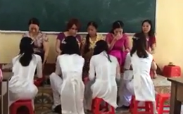 Clip học trò rửa chân cho cô giáo gây tranh cãi