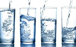 """Cơ thể sẽ """"khủng hoảng"""" nếu không cung cấp đủ nước: Vậy uống bao nhiêu là chuẩn?"""