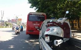 Hà Nội: Nữ sinh đi xe máy điện mới bị ô tô cán tử vong