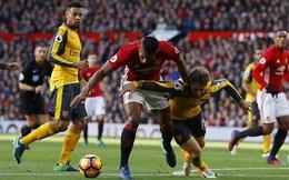 Xuất sắc nhất trận MU gặp Arsenal, Valencia tặng giải cho...bác sỹ