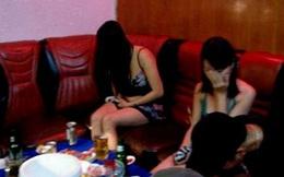 Dọa đánh gãy chân nhiều thiếu nữ, ép làm tiếp viên quán karaoke