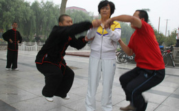 """Võ Trung Quốc """"đại loạn"""": Kung-fu dởm, cao thủ Thiếu Lâm cũng """"giả"""""""