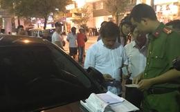 Ông Đoàn Ngọc Hải một mình lái xe kiểm tra trong đêm mưa, 22 ô tô bị phạt