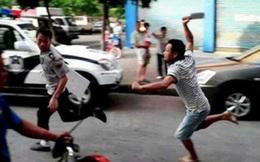 Đánh nhau vì mâu thuẫn ngoài đường, cấp cứu vào bệnh viện vẫn đánh nhau