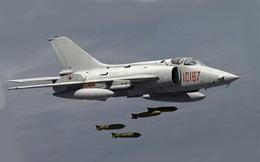Thật khó tin Không quân Trung Quốc vẫn chưa loại biên chiếc chiến đấu cơ cổ lỗ này