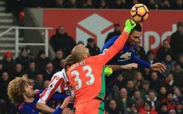 """Mourinho cũng chẳng thể làm gì với những """"thanh gươm"""" gỉ sét"""