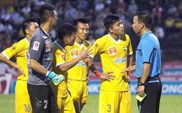 """Công nhận bàn thắng """"lạ"""", trọng tài Nguyễn Trung Kiên bị đình chỉ công tác"""