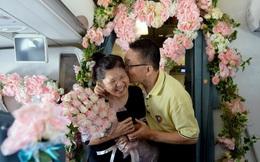 """Vợ chồng người Malaysia tổ chức """"đám cưới ngọc trai"""" trên máy bay Vietnam Airlines"""