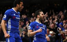 """""""Vùi dập"""" Swansea, Chelsea chạm một tay vào chức vô địch"""