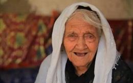 Lần đầu tiết lộ bí quyết sống lâu ai cũng làm được của cụ bà cao tuổi nhất Trung Quốc