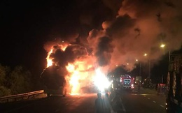 Cháy xe khách giường nằm, nhiều hành khách may mắn thoát nạn
