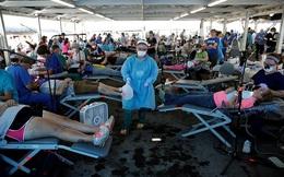"""Điều """"không tưởng"""" bên trong khu trại khám bệnh lưu động tại Mỹ"""