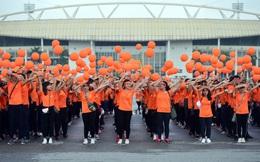Hàng ngàn sinh viên xuống đường đi bộ vì nạn nhân da cam