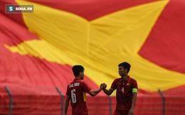 Báo Quốc tế mách Kiatisak: Đến Việt Nam là khôn ngoan nhất!