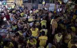 """Vấn nạn """"hiếm thấy"""" bên trong nhà tù ở Philippines"""