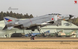 """Sina: Lo ngại Trung Quốc, Không quân Nhật bắt """"Ông già"""" F-4 phải tiếp tục phục vụ"""