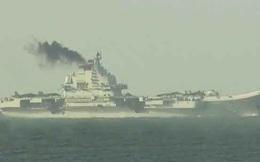 24h qua ảnh: Tàu sân bay Liêu Ninh xả khói đen mù mịt ở Hong Kong