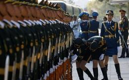 7 ngày qua ảnh: Nữ tiêu binh Trung Quốc chỉnh hàng ngũ đón thủ tướng Nga