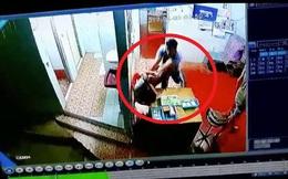Quỵt tiền phí đi vệ sinh tại khu đèn đỏ, du khách đánh đập cậu bé 10 tuổi thậm tệ