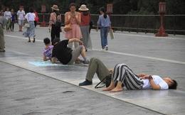 24h qua ảnh: Dân Trung Quốc đổ về Thiên Đàn ở Bắc Kinh để chữa bách bệnh