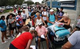 7 ngày qua ảnh: Người dân Mỹ xếp hàng dài chờ vào nơi sơ tán tránh bão Irma
