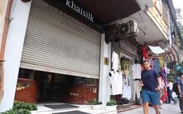 Kiểm tra cửa hàng Khaisilk ở Hàng Gai: Tạm thu giữ hơn 50 sản phẩm, tổng giá trị niêm yết hơn 30 triệu
