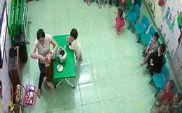 Ăn nhầm bột thông bồn cầu ở lớp học, 3 trẻ mầm non loét họng phải nhập viện