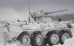 Clip: Xe tăng robot Nga tác chiến với bộ binh trên thao trường tuyết