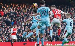 Bị đuổi 2 người, Arsenal vẫn giành trọn 3 điểm ở phút 90+8