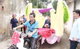 """Rước dâu bằng xe chở lúa, đám cưới """"hiếm thấy"""" tại Thanh Hóa"""