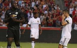 """""""Xỏ mũi"""" 3 đối thủ để ghi bàn, Lukaku đưa Man United tới chiến thắng"""