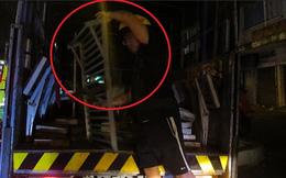 Người chạy xe máy theo ông Đoàn Ngọc Hải đòi bậc thang: Mấy anh cứ ngang qua là làm ào ào