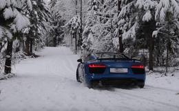 Xem Audi R8 V10 Plus thử khả năng chạy trên tuyết