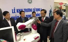 BV Bạch Mai ứng dụng robot hiện đại nhất vào phẫu thuật khớp và thần kinh