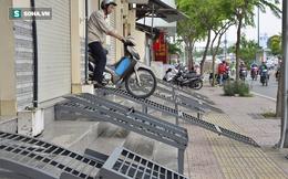 Người dân ở đại lộ đẹp nhất Sài Gòn run run xuống bậc tam cấp như đi qua cầu