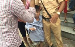Học sinh lớp 2 bị cha ruột dàn cảnh va chạm giao thông, bắt cóc trên đường đi học về