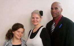 Bà mẹ 42 tuổi được chẩn đoán sinh ba, đến ngày sinh, điều bất ngờ đến nín thở đã xảy ra