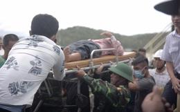 """Hàng chục tàu cá chìm, đường sắt """"tê liệt"""", phố phường Hà Nội ngập sâu trong bão số 2"""