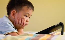 Dỗ con bằng điện thoại, ipad: Cái kết đắng và cảnh báo của bác sĩ bố mẹ cần biết ngay!