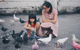 """Người đàn ông nhuộm màu 70 chim bồ câu ở nhà thờ Đức Bà: """"Họ biết gì đâu mà xót"""""""