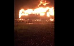 Gia Lai: Cháy xe khách, 22 hành khách thoát chết