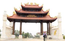 Cận cảnh cổng làng hơn 4 tỷ đồng làm từ gỗ quý ở Nghệ An